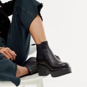 Vagabond Shoes - Vagabond Dioon Black Platform Leather Chelsea Boot